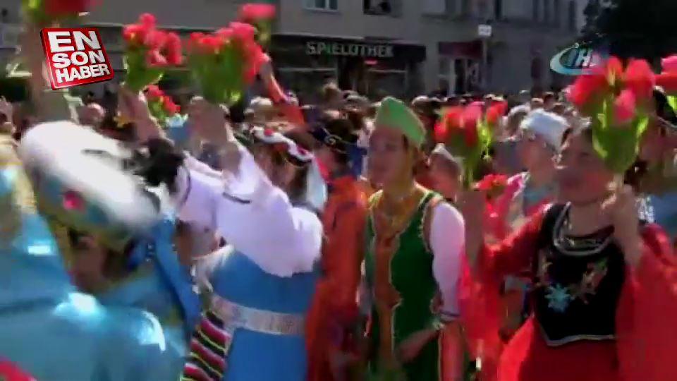 Berlin Kültürler Karnavalı yine çok renkli geçti