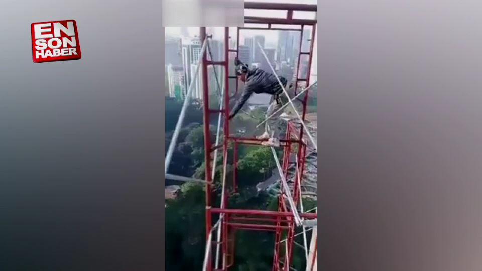 Gökdelen inşaatında ölümle dans eden işçiler
