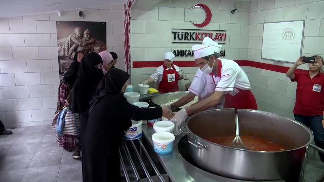 Türk Kızılayının aş ocağı bir asırdır yoksulları doyuruyor