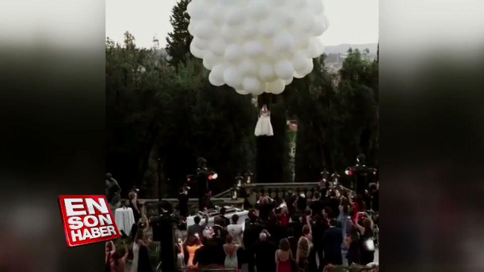 Gelin adayı düğün törenine uçan balonlarla geldi