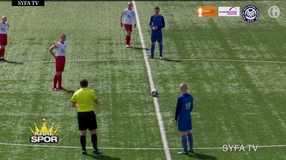 Genç futbolcu başlama vuruşundan enfes gol attı