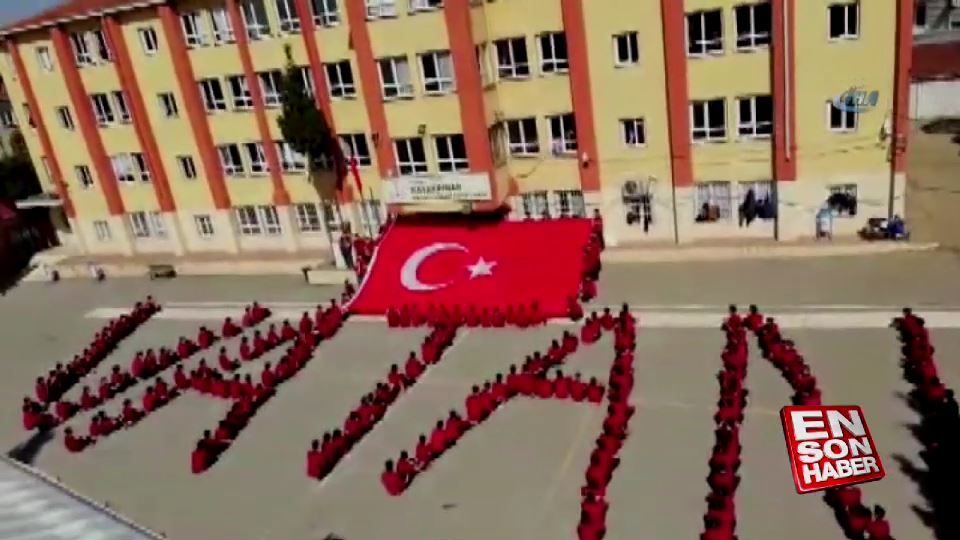 Lise Öğrencilerinden 'Vatan' koreografisi