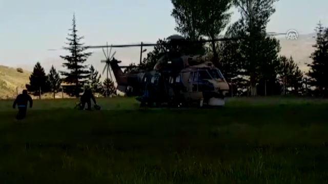 Demirkazık Dağı'nda mahsur kalan dağcılar kurtarıldı