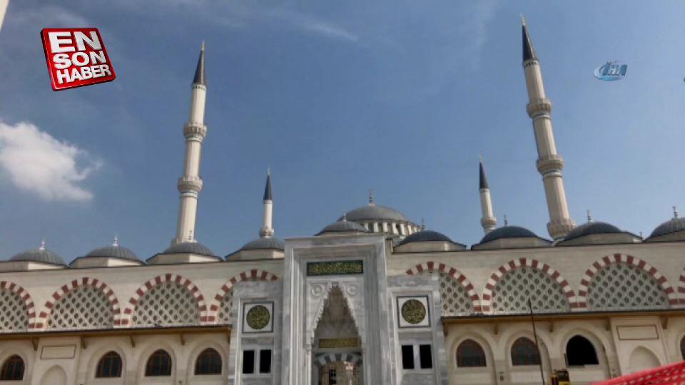 Çamlıca Camii'nde süren çalışmalar görüntülendi
