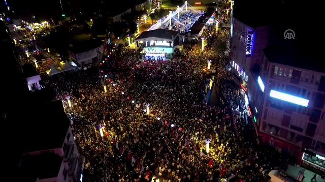 Esenler'de 100 bini aşkın kişi dua için buluştu