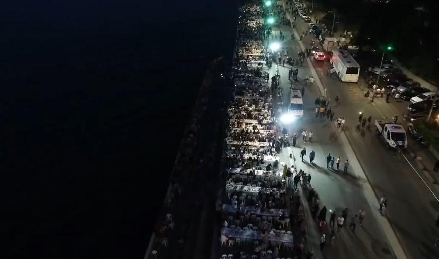 Üsküdar'da 50 bin kişilik iftar sofrası