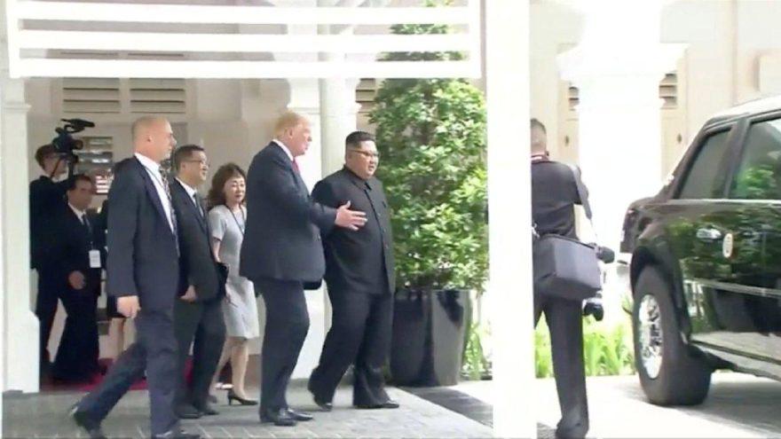 Donald Trump Kim Jong-Un'a otomobilini gösterdi