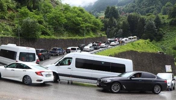 Bayramda Uzungöl trafiği