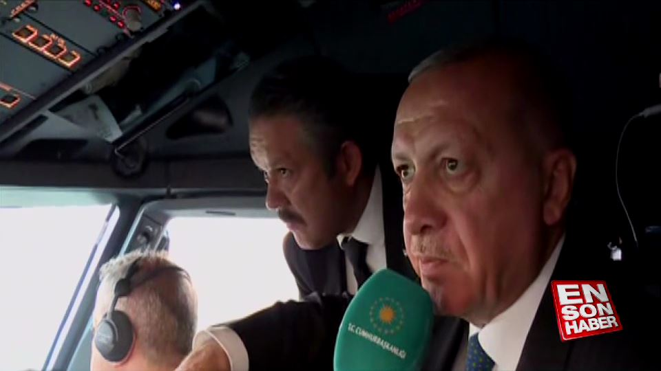 Cumhurbaşkanı Erdoğan uçağın kokpitinden açıklama yaptı