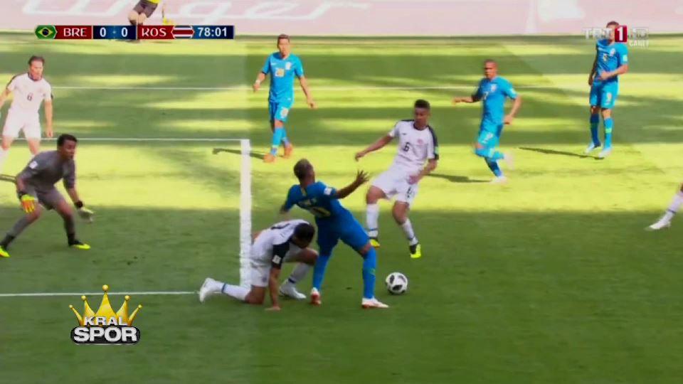 Hakem Brezilya maçında penaltı verdi VAR iptal etti