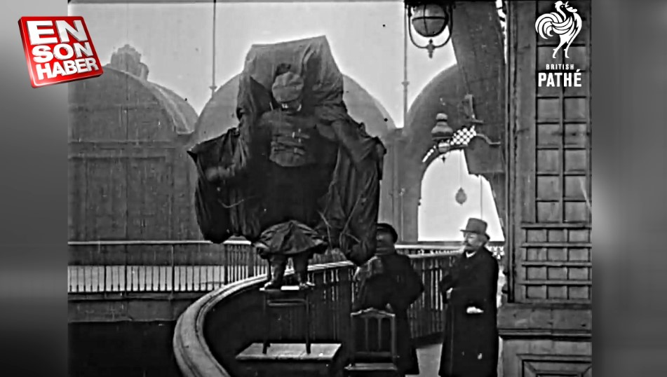 Franz Reichelt: Eyfel'den paraşütünü denerken ölen adam