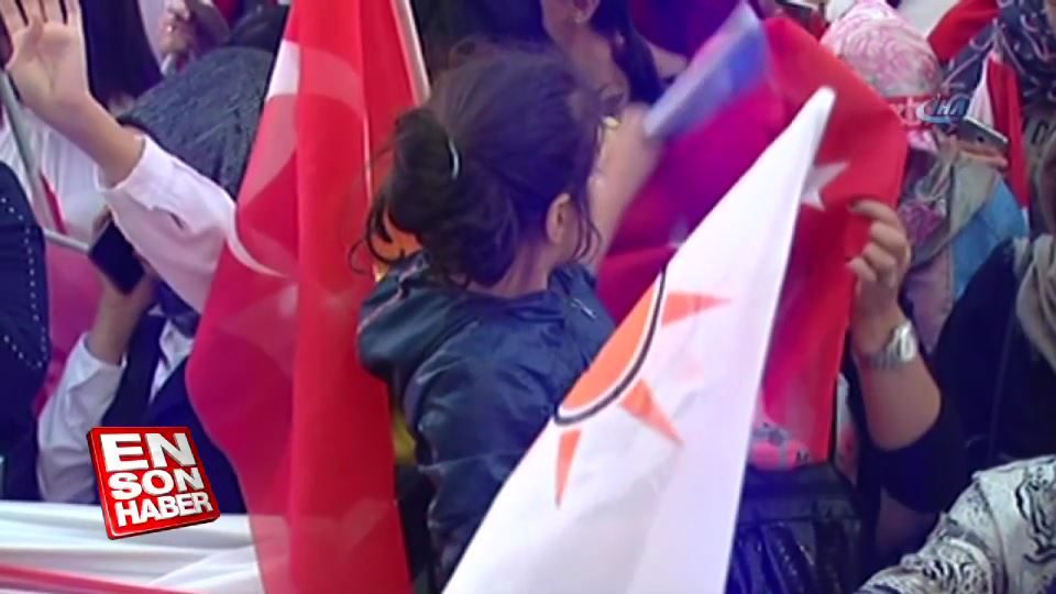 Başkent'te seçim sonrası kutlamalar başladı