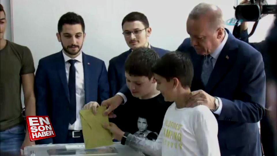 Cumhurbaşkanı Erdoğan sandık başında