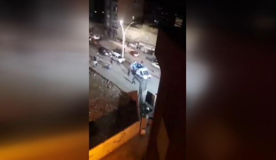 HDP'lilerin kutlamasında polise taş atanlara müdahale